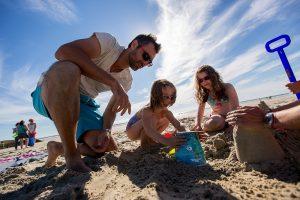 Jeux de plage en famille