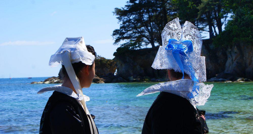 Coiffes et costumes traditionnels du pays Fouesnantais