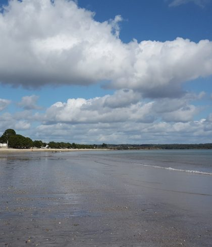 La plage du Cap-Coz à marée basse