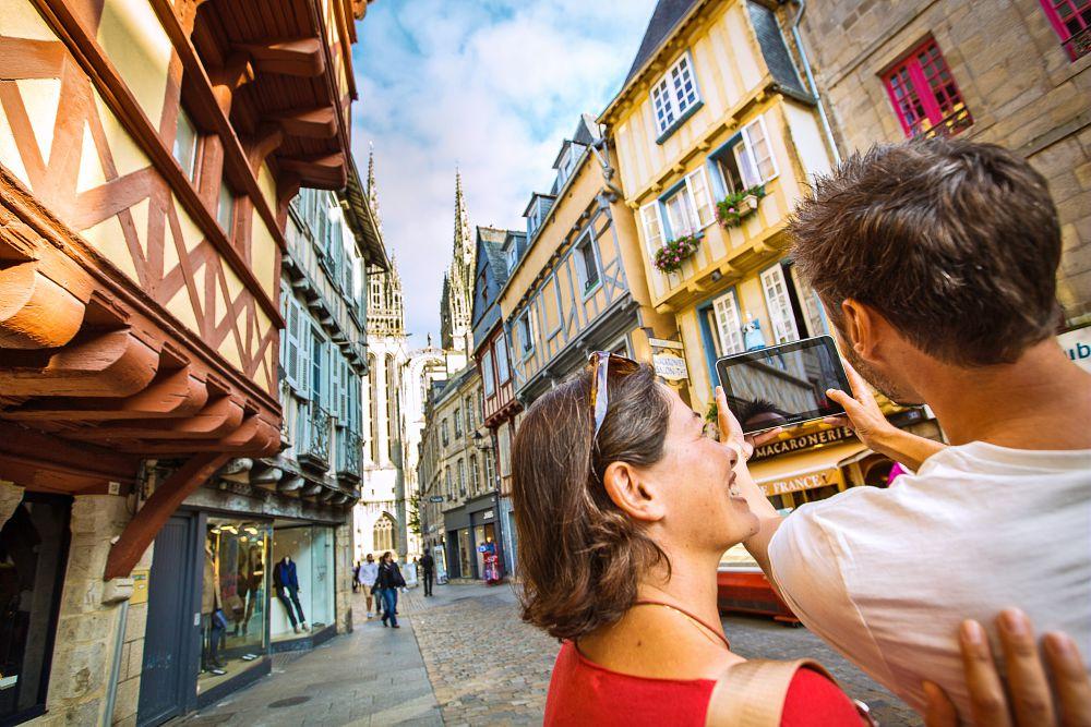 Quimper Rue Kéréon et sa cathédrale