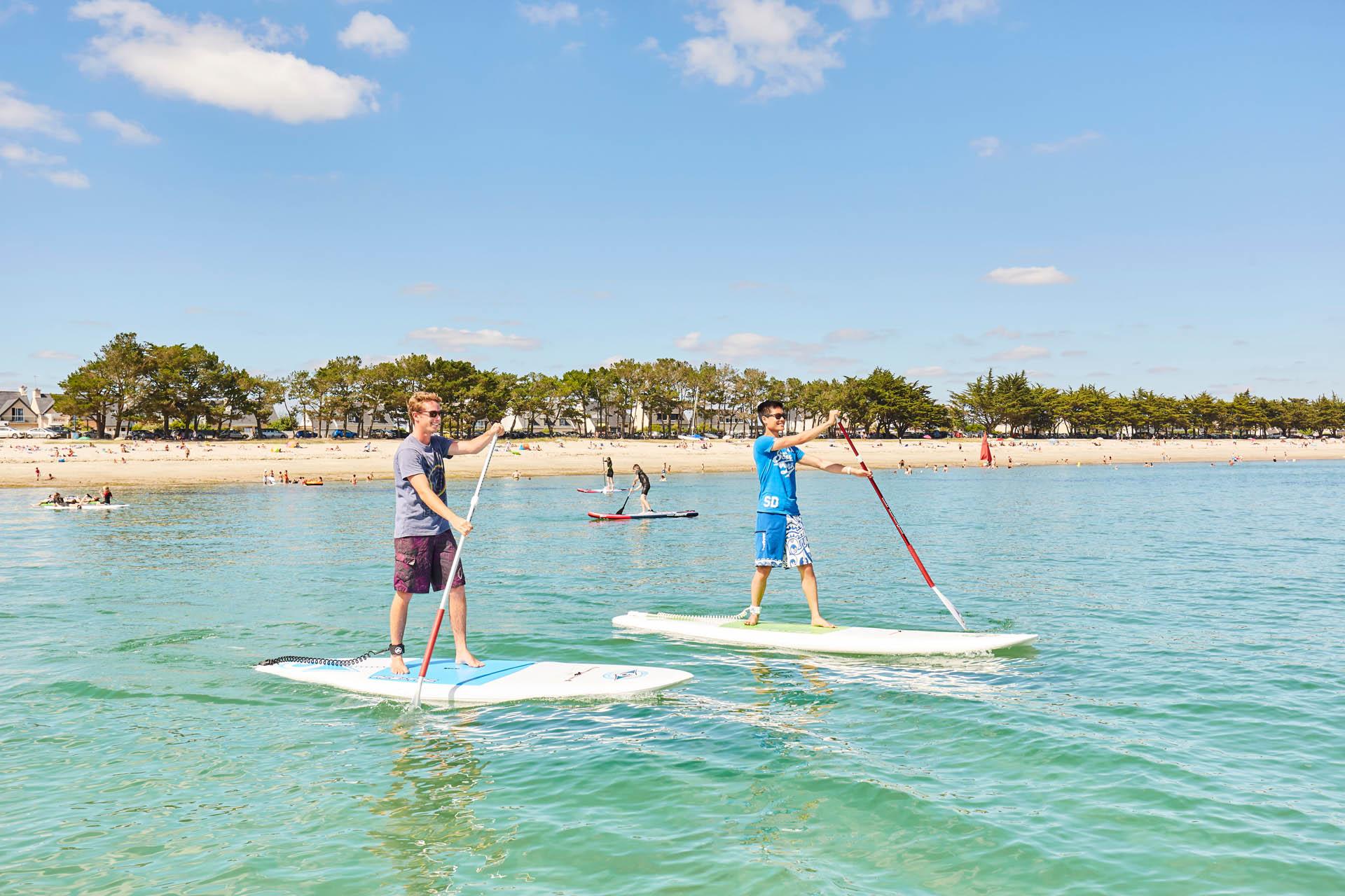 Sport nautique sur la plage du Cap-Coz